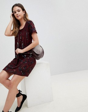 photo Butterfly Printed Tunic Dress by QED London, color Wine - Image 4