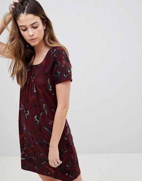 photo Butterfly Printed Tunic Dress by QED London, color Wine - Image 1