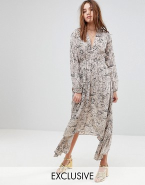 photo Exclusive Plunge Front Maxi Dress by Lily and Lionel, color Grey - Image 1