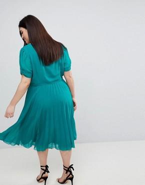 photo Pleated 40s Midi Tea Dress by ASOS CURVE, color Green - Image 2