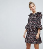 photo Frill Sleeve Floral Shift Dress by Influence, color Multi - Image 1