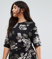 photo Asymetric Midi Dress in Mono Floral by Yumi Plus, color Black - Image 3
