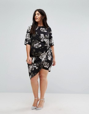 photo Asymetric Midi Dress in Mono Floral by Yumi Plus, color Black - Image 4