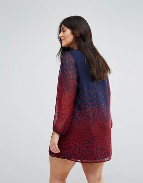 photo Long Sleeve Shift Dress in Leaf Border Print by Yumi Plus, color Navy - Image 2