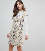 photo Cap Sleeve Geoprint Dress with D-Ring and Attached Belt by Liquorish, color Multicolor And Glitt - Image 1