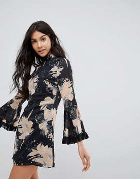 photo High Neck Floral Dress with Flare Sleeve by Parisian, color Black/Beige - Image 1