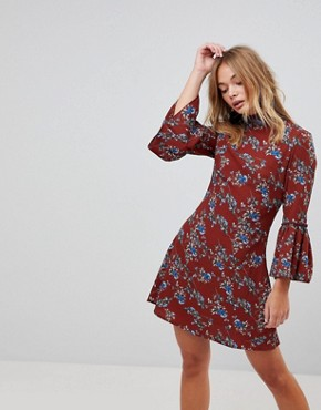 photo High Neck Floral Dress with Flare Sleeve by Parisian, color Rust - Image 1