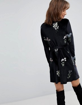 photo Floral Embroidered Dress by Stradivarius, color Black - Image 2