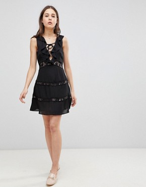photo Lace Up Dress with Frill by Glamorous, color Black - Image 1