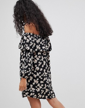 photo Off Shoulder Floral Dress by Glamorous, color Black Cream Daisy - Image 2