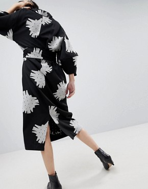 photo Mono Floral Bell Sleeve Midi Dress by ASOS WHITE, color Black/White - Image 2