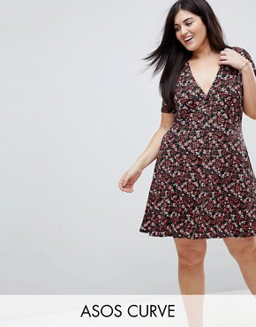 photo Mini Tea Dress with V-Neck and Button Detail in Mono Floral Print by ASOS CURVE, color Multi - Image 1
