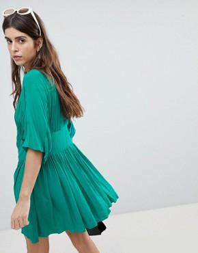 photo Casual Mini Tea Dress in Crinkle with Bow by ASOS, color Green - Image 2