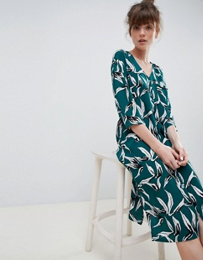 photo Tropical Leaf Shift Dress by Ichi, color Green - Image 1