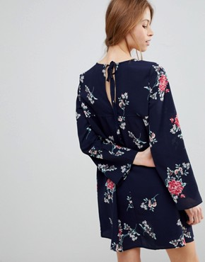 photo Floral Shift Dress with Frill by QED London, color Navy - Image 2