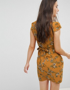 photo Floral Tulip Dress by QED London, color Mustard - Image 2