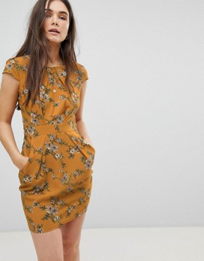 photo Floral Tulip Dress by QED London, color Mustard - Image 1