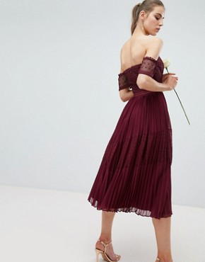 photo Bridesmaid Premium Guipure Lace Panelled Midi Dress by ASOS DESIGN Tall, color Wine - Image 2