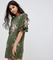 photo Floral Shift Dress with Flare Sleeve by Parisian, color Khaki - Image 1