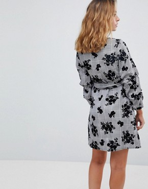 photo Check Wrap Dress with Floral Print by Parisian Petite, color Grey - Image 2