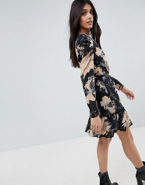 photo Floral Print Skater Dress with Tie Waist Belt by Parisian Tall, color Black - Image 2
