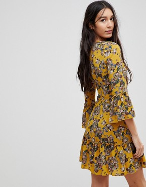 photo Floral Dress with Hook and Eye Detail by Parisian Tall, color Mustard - Image 2