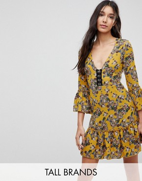 photo Floral Dress with Hook and Eye Detail by Parisian Tall, color Mustard - Image 1