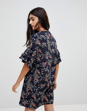 photo Floral Shift Dress with Flare Sleeve by Parisian Tall, color Navy - Image 2
