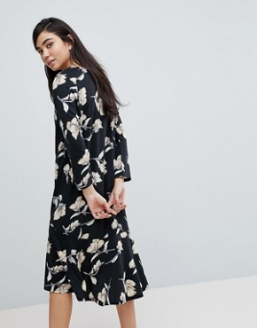 photo Floral Print Sweater Dress by Soaked in Luxury, color Multi - Image 2