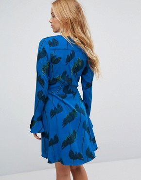 photo Floral Print Wrap Dress by Liquorish, color Blue - Image 2