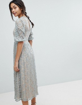photo All Over Lace Maxi Dress with Balloon Sleeve Detail by Little Mistress, color Waterlily - Image 2