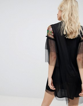 photo Embroidered Mesh Detail Shift Dress by Influence, color Black Floral - Image 2