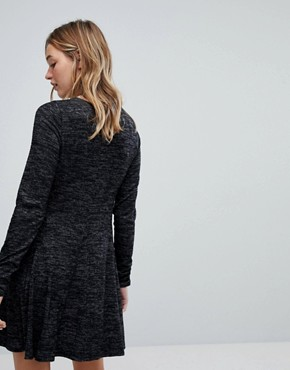 photo Cosy Scoop Neck Dress by Hollister, color Black - Image 2