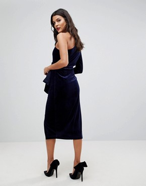 photo One Shoulder Midi Dress with Twist Detail in Velvet by Lavish Alice, color Berry - Image 2