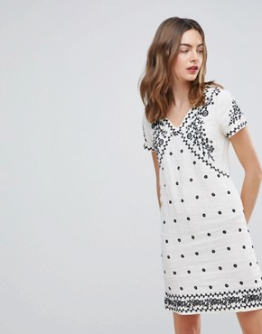 photo Billy Embroidered Shift Dress by Deby Debo, color Off White - Image 1