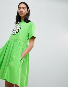 photo Giant Daisy Smock Dress by Lazy Oaf, color Lime Green - Image 1