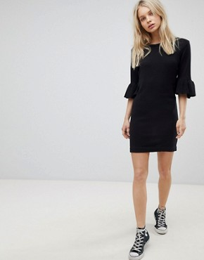 photo Orchid Jumper Dress with Frill Sleeves by Brave Soul, color Black - Image 4