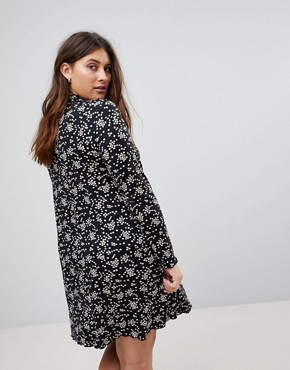 photo Mono Floral Print Swing Dress by New Look Curve, color Black Pattern - Image 2