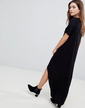 photo Maxi T-Shirt Dress with Curved Hem by ASOS, color Black - Image 2
