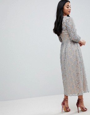 photo All Over Lace Maxi Dress with Balloon Sleeve Detail by Little Mistress Petite, color Waterlily - Image 2