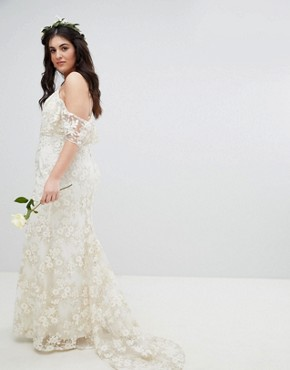 photo Floral Lace Bandeau Maxi Wedding Dress by ASOS EDITION Curve, color White - Image 2