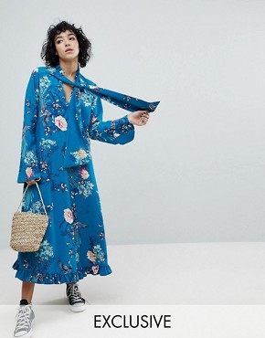 photo Midiaxi Dress with Flare Sleeve by Reclaimed Vintage Inspired, color Blue - Image 1