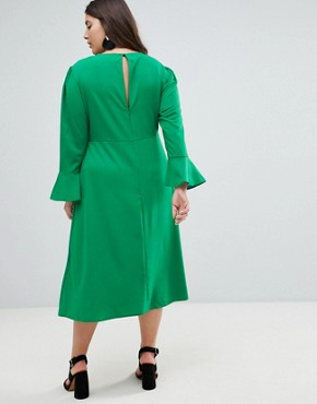 photo Fluted Sleeve Midi Dress with Split by ASOS CURVE, color Green - Image 2