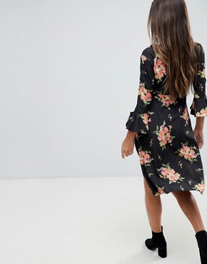 photo Wrap Midi Dress with Fluted Sleeve in Pretty Floral by ASOS, color Multi - Image 2