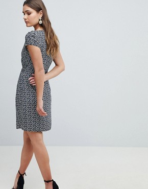 photo Crane Print Dress with Tie Belt Detail by Yumi, color Navy - Image 2
