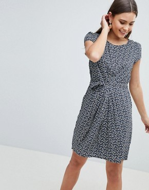 photo Crane Print Dress with Tie Belt Detail by Yumi, color Navy - Image 1