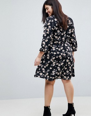photo Wrap Dress in Floral Print by Yumi Plus, color Black - Image 2