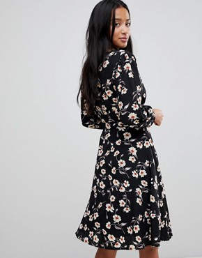photo Wrap Dress in Floral Print by Yumi Petite, color Black - Image 2