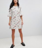 photo Frill Sleeve Shift Dress in Stripe Floral Print by Yumi Petite, color White - Image 4