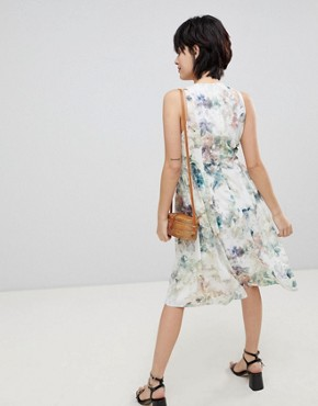 photo Floral Keyhole Dress with Gathered Waist by Paisie, color Multi Floral - Image 2